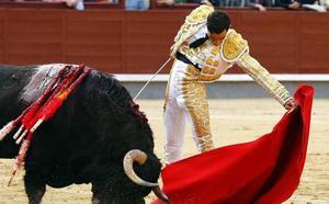 Vibrante faena de Ureña en Las Ventas