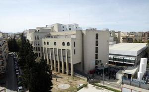 Tetrapléjico tras intentar huir de los médicos del Morales Meseguer en pleno brote esquizofrénico