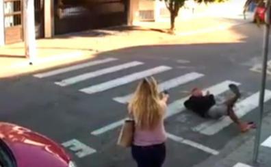 La heroica reacción de una policía de paisano ante un ladrón en la puerta de un colegio