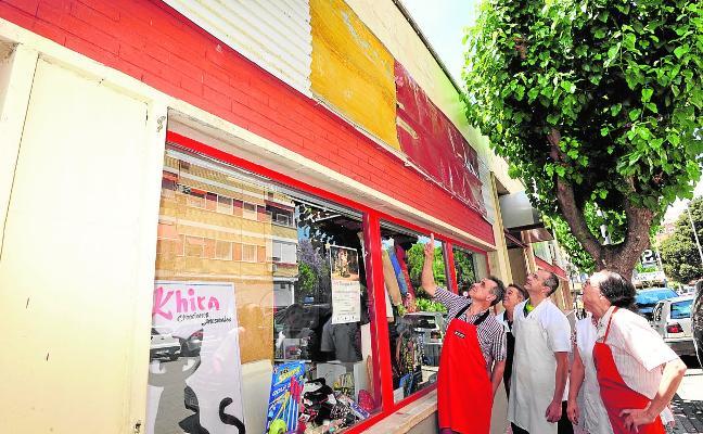 Los placeros de San Andrés denuncian la falta de diligencia del Ayuntamiento en la reforma