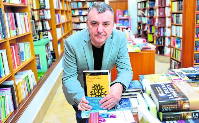 Manuel Vilas presenta en Murcia su éxito literario