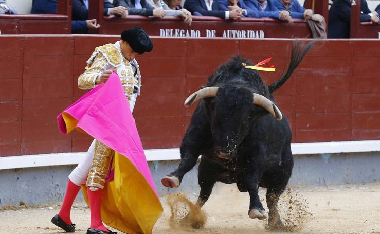 Oreja y ovación para Ureña en Las Ventas