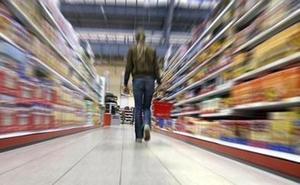 Piden multas para Carrefour, Dia y Lidl por una injusticia que afecta a las mujeres