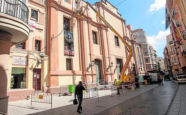 La alcaldesa pacta con el Obispado renovar la fachada de Santa María
