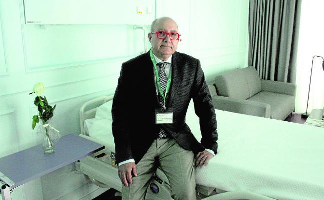 «La idea es que el Hospital Virgen de la Caridad sea un referente en la sanidad local y regional»