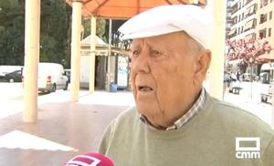 Ángel, el entrañable abuelo que ofrece una recompensa para recuperar a la perdiz que le han robado