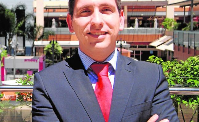 Carlos Pena Pastor: «Los móviles pueden ayudar a complementar la educación»