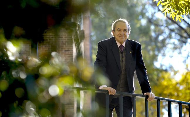 Emilio Lora-Tamayo: «Si seguimos sin 'regar' la investigación, terminará agostándose sin remedio»