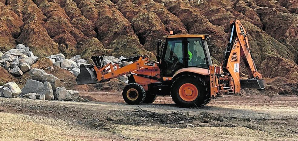 La Consejería reanuda los trabajos de sellado en el dique minero