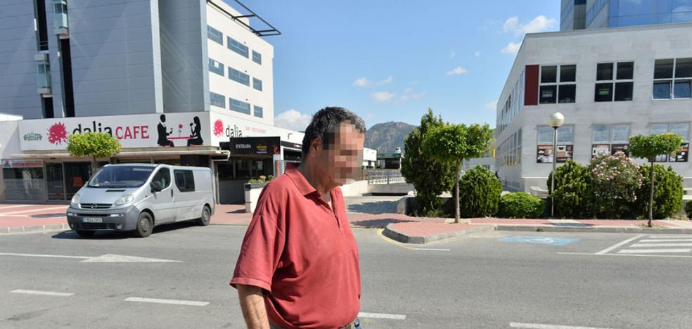 Investigan si tuvo encerradas a su mujer y su hija casi un año en su casa de Alcantarilla