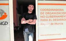 Moisés Navarro Sánchez: «El movimiento de extrema derecha en Murcia es pequeño, pero preocupante»