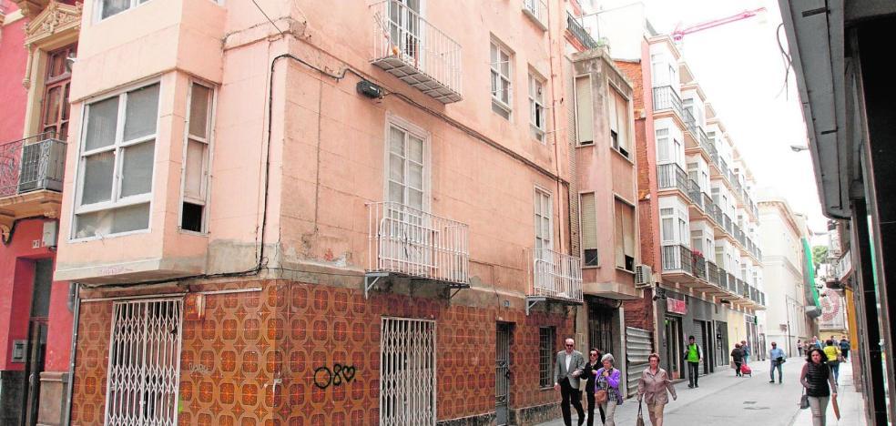 La ocupación de viviendas en la zona de la Serreta sigue y eleva el riesgo de «conflictos»
