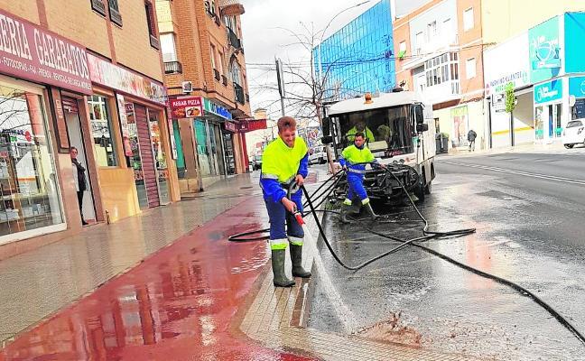 Mucha limpieza pero demasiados orines en la calle