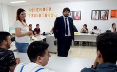 Solo dos de cada diez estudiantes de etnia gitana de la Región terminan la ESO