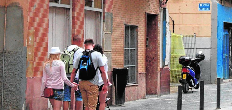 Temor vecinal por el deterioro de los edificios ocupados en el casco histórico