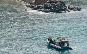 La Armada detona un proyectil hallado en Cala Cortina