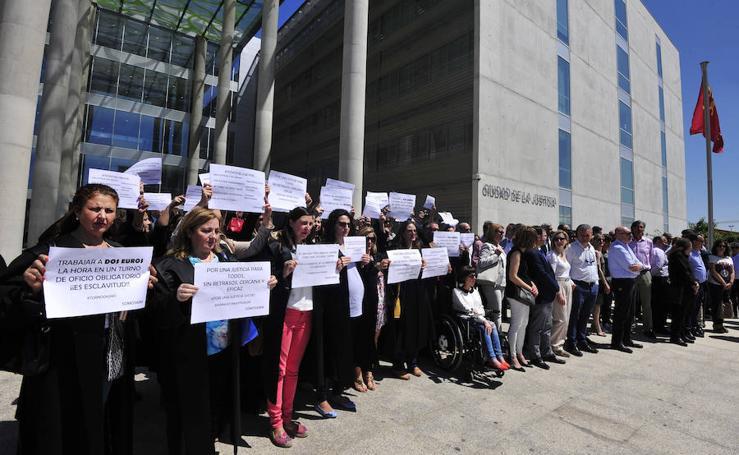 La huelga de jueces y abogados, en imágenes