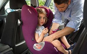 Dos sillas de retención infantil fallan las pruebas de seguridad ante un impacto frontal