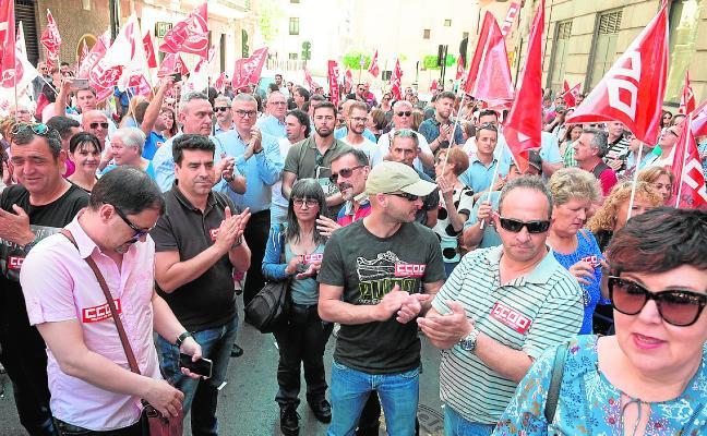 Protesta ante CROEM por el «bloqueo» de la negociación