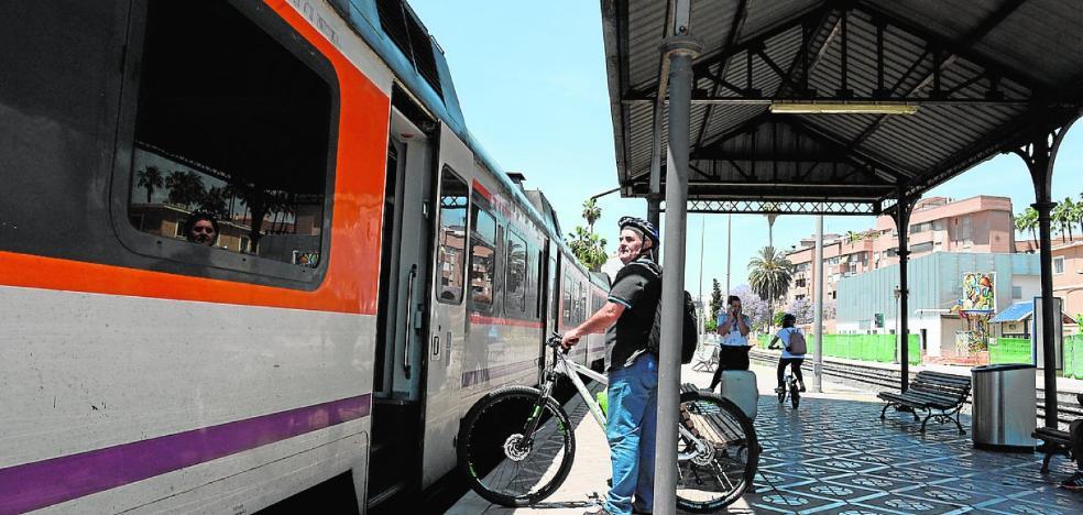 Los trenes de Cercanías pierden viajeros por su antigüedad y las continuas averías