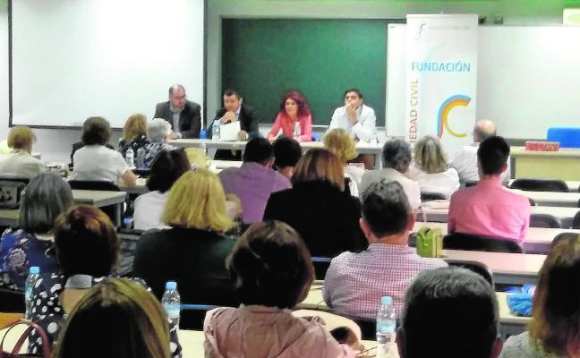 Jornada sobre democracia de la Fundación Sociedad Civil