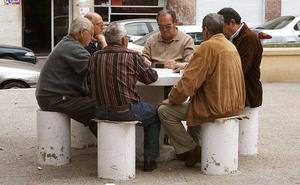 La pensión media en la Región es de 822 euros en abril, la tercera más baja del país