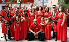 Moros y Cristianos cierran sus festejos en Archena con un desfile con grupos foráneos