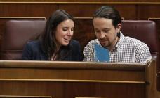 Las bases de Podemos avalan el liderazgo de Iglesias y Montero en la consulta del chalet