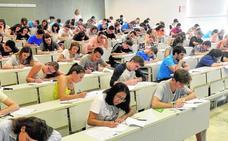 Las universidades públicas negocian con el Gobierno regional la rebaja de los másteres