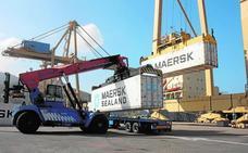 El aumento del tráfico de contenedores deja pequeña la terminal de Santa Lucía
