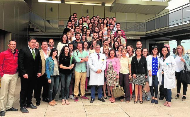 El Santa Lucía forma a 43 médicos y 11 enfermeras