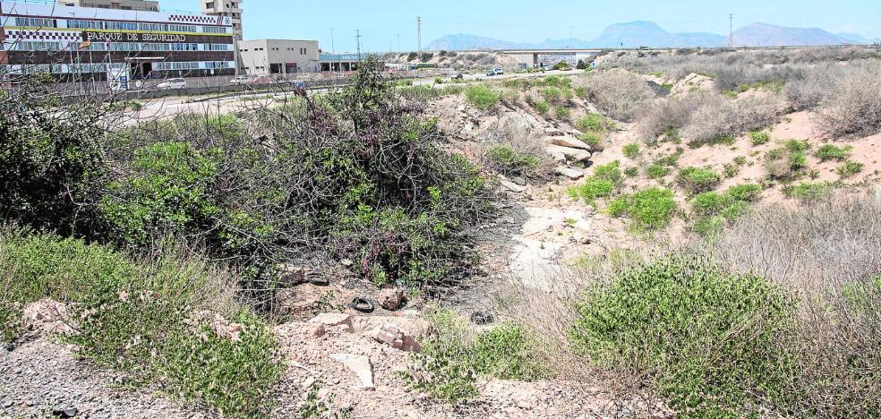 Castejón plantea meter el AVE por una zona que el PP reservó en el Plan General de 2012