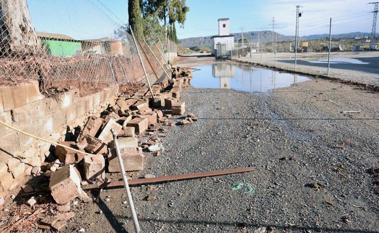 La tromba de agua deja calles anegadas en Caravaca, Blanca y Abarán