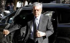 El expresidente de la CAM asume «con todas sus consecuencias» la acusación por el cobro de dietas