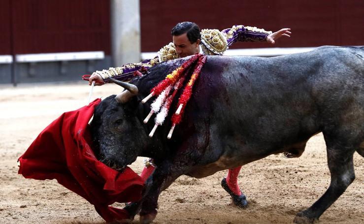 Rafaelillo se despide de San Isidro sin suerte