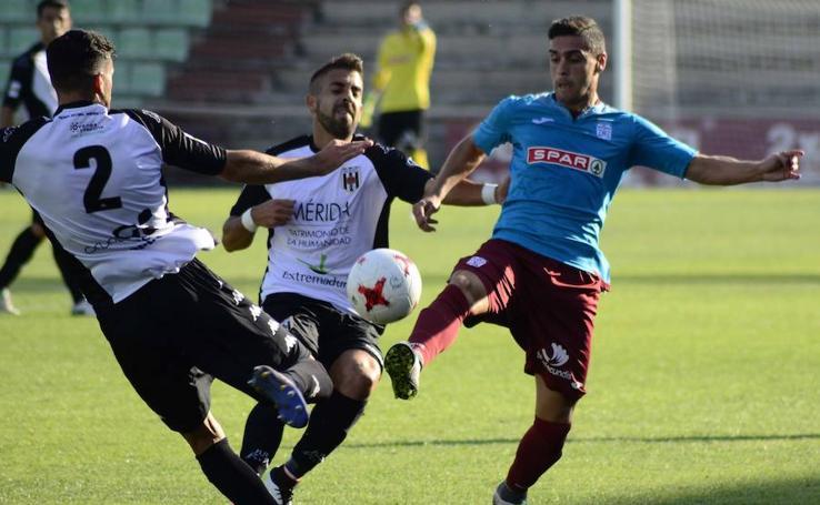 El Cartagena pierde su primer partido en Mérida (2-1)