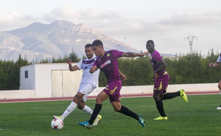 El Cartagena se pone líder al ganar en Jumilla