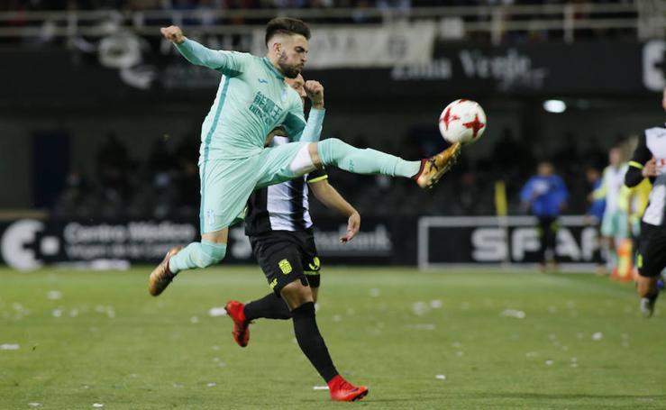 El Cartagena se lía de nuevo en casa contra el Granada B