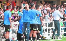 «El fútbol nos vuelve a castigar. El vestuario está hundido de nuevo»