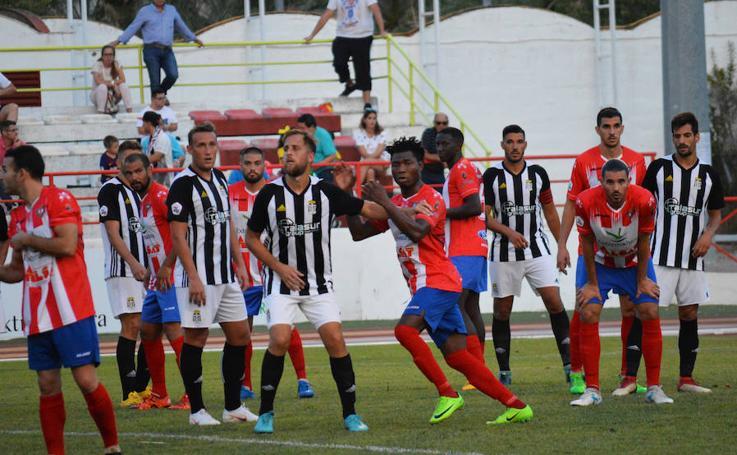 El Cartagena no consigue despegar ante el Don Benito