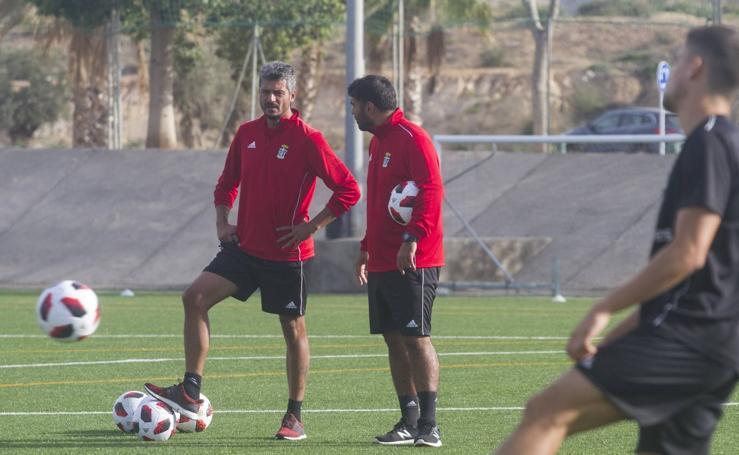 El FC Cartagena entrena en Barrio Peral