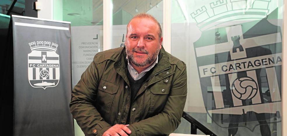Manuel Sánchez Breis: «No he dejado de ser murcianista, pero seré del Efesé mientras viva»