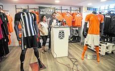El Cartagena vende casi el doble de camisetas que la temporada pasada