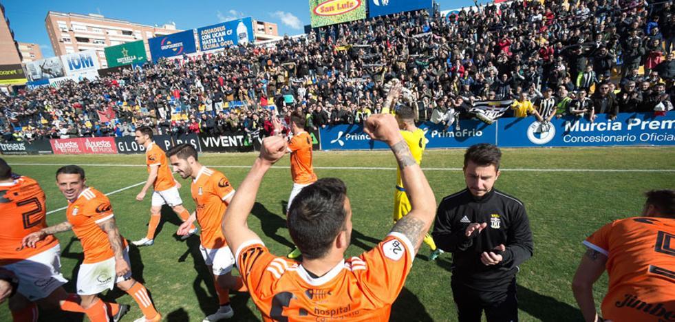 El Cartagena ya tiene 43 patrocinadores que dejan 550.000 euros en el club