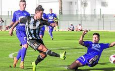 Elady marca un 'hat-trick' en la goleada a El Palmar (9-0)