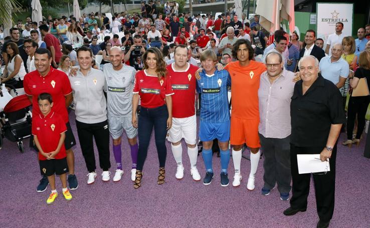 Presentación de las nuevas equipaciones del Real Murcia