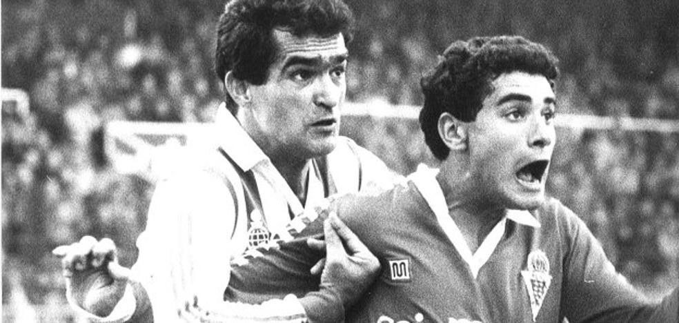 Manolo, goleador de un Murcia con brillo