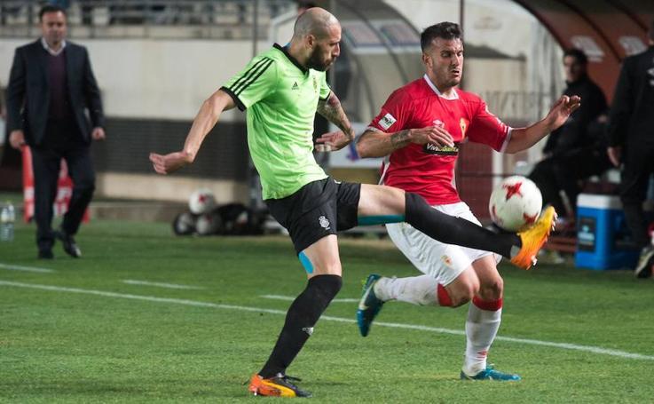 Un Murcia frío deja escapar el 'playoff' tras empatar ante el Recreativo (0-0)