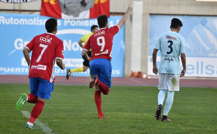 Un Murcia con brillo se agarra al 'playoff' tras vencer en El Ejido (0-2)