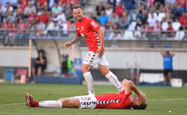 Un Elche valiente deja herido a un Murcia timorato (0-1)